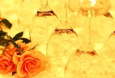 漂亮的玫瑰洋酒杯图片