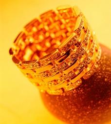黄金指环图片